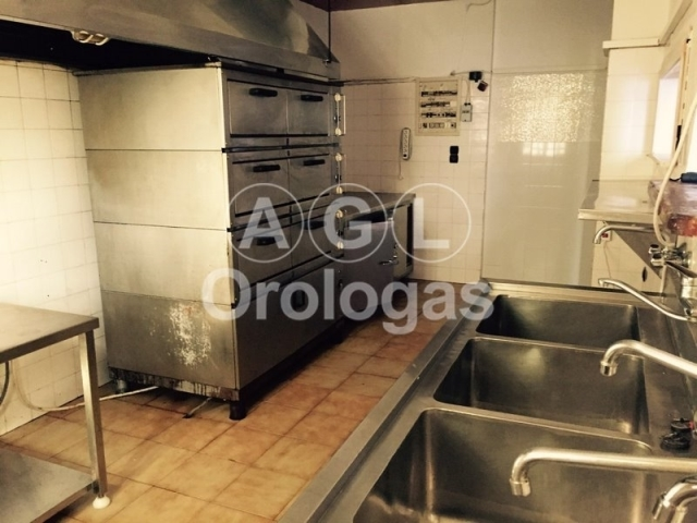 (For Rent) Commercial Retail Shop || Piraias/Piraeus - 210 Sq.m, 650€